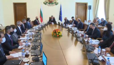 Министерският съвет се събра на извънредно заседание заради изборите