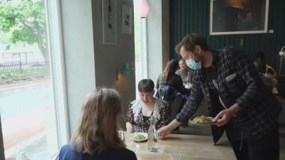 Отвориха ресторантите и баровете в Осло
