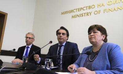 """Финансовият министър обвини кабинета """"Борисов"""", че е харчил от резервите (обобщение)"""