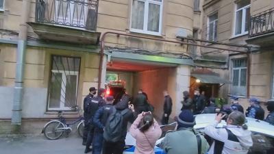 Свалиха руски опозиционер от самолет преди да излети до Полша