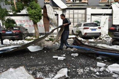 Мощно торнадо взе жертва и рани 16 души в Китай