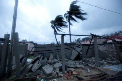 Петима загинаха заради циклона Яас в Индия