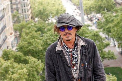Нова любов в Холивуд: Джони Деп е луд по Анджелина Джоли