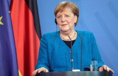 Меркел след шпионския скандал в Европа: Концентрираме се върху настоящето