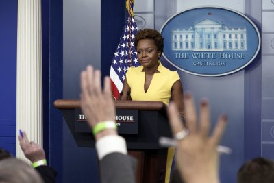 """Белият дом: Америка преживява """"епидемия от насилие с оръжие"""""""