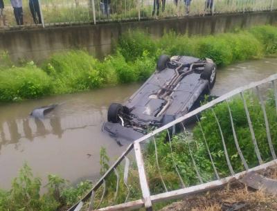 Пиян шофьор се обърна с колата си в р. Сребра
