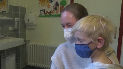 Германия започва ваксинирането срещу COVID-19 на деца