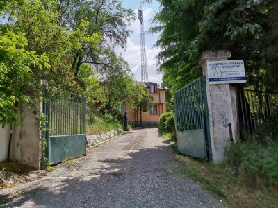 Акция на полицията и прокуратурата в Белодробната болница в Благоевград (СНИМКИ)