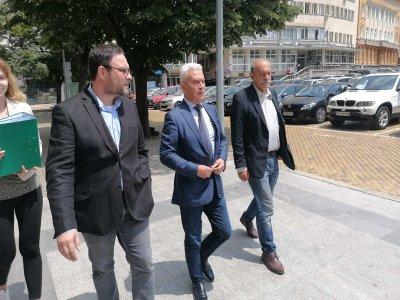 """Волен Сидеров регистрира """"Атака"""" за участие в изборите на 11 юли"""