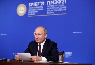 Владимир Путин: На Европа - газ, на чужденците - ваксини