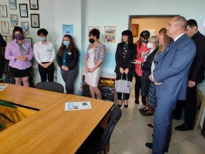 Президентът Румен Радев посети гимназията по хранителни технологии в Пловдив