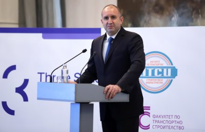"""Радев пред конференцията """"Инициатива """"Три морета"""": Трябва да направим региона по-атрактивен за туризъм и инвестиции"""