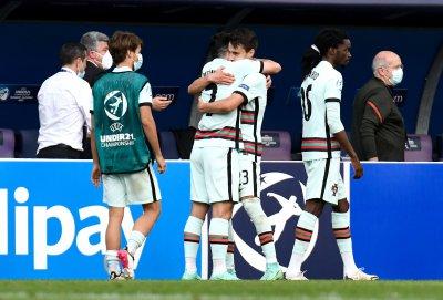 Португалия излъга Испания след автогол и ще играе на финала на ЕП за младежи