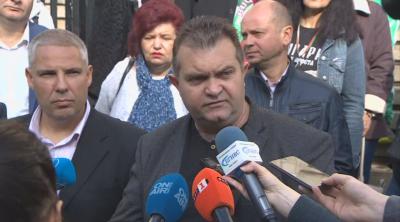Протестиращи не допускат Иван Гешев в Съдебната палата