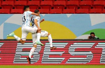 Аржентина надви Уругвай за първи успех на Копа Америка