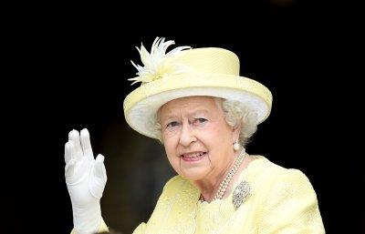 От Хари Труман до Доналд Тръмп - впечатляващите моменти от визитите при Елизабет II