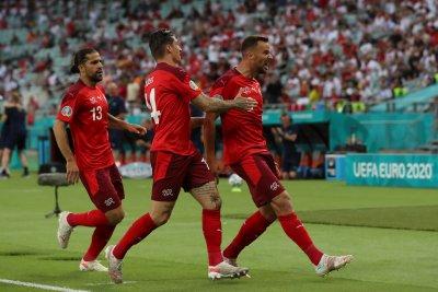 Швейцария надигра Турция, но ще почака за място на 1/8 финалите