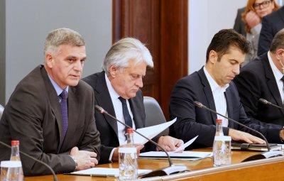 Стефан Янев: Реалистичната картина показва корупция, маскирана в благовидна и законосъобразна форма