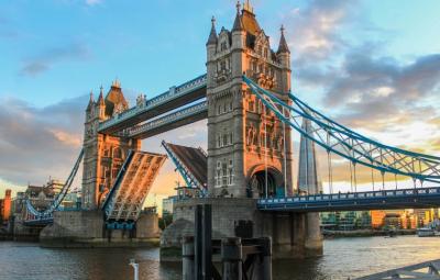Ваксинираните британци ще пътуват до страните от жълтата зона без карантина