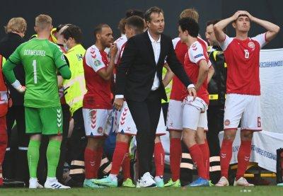 Треньорът на Дания едва сдържа сълзите си, запитан за Ериксен