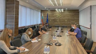 """Казусът """"Автомагистрали"""": След размяна на писма Комитова и Беличев се срещнаха"""