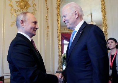 """От специалните ни пратеници: Започна срещата между Путин и Байдън в """"Ла Гранж"""" (ВИДЕО)"""