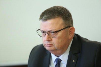 Цацаров отговори на Рашков: Трябват още доказателства за проверката за недекларираните имоти