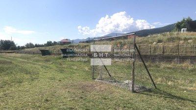 Футболна врата падна върху дете на стадион в Асеновград