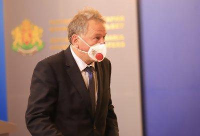 """Здравният министър иска изясняване на всички факти за """"делта"""" варианта на COVID-19 у нас"""