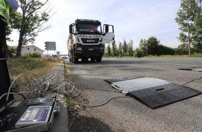 Над 7000 шофьори на камиони са глобени от началото на годината