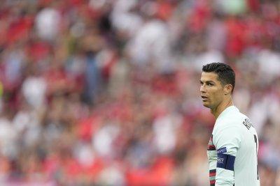 Роналдо донесе колосални загуби на компания за безалкохолни напитки