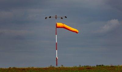 Хладен въздух ще нахлува със силния вятър в страната