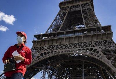 Отпада носенето на маска на открито във Франция