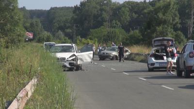 Челен удар между две коли затвори за часове главния път от Бургас за Царево