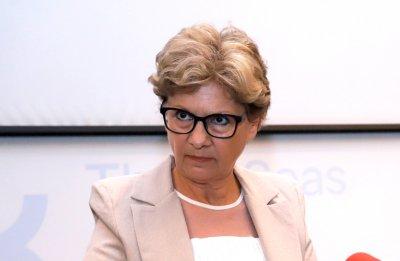"""Министър Комитова: В понеделник внасяме отново документи за ръководство на """"Автомагистрали"""""""