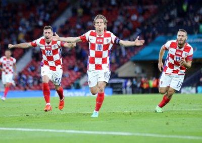 Магьосникът Модрич разплака Шотландия и прати Хърватия на 1/8-финалите