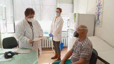 Лични лекари в Пловдив не са получили парите си за направени ваксини