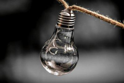 От днес: Над 3% увеличение на тока, цените на газа и парното също скачат