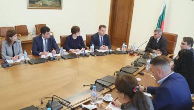 Общините поискаха 5 млн. лв. от кабинета за здравни мерки по изборите