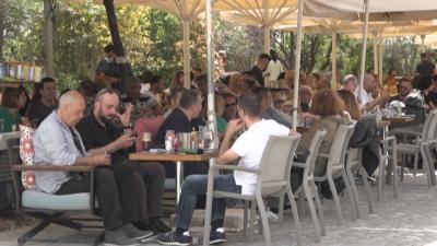 Гърция връща част от мерките срещу COVID-19