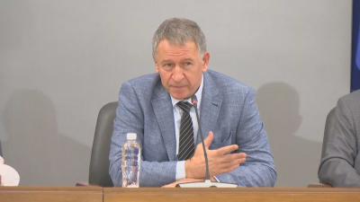 Министър Кацаров: Лятото е най-подходящо да направим национално усилие и да се ваксинираме