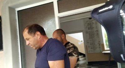 Арестуваха кмета на поморийското село Бата за купуване на гласове