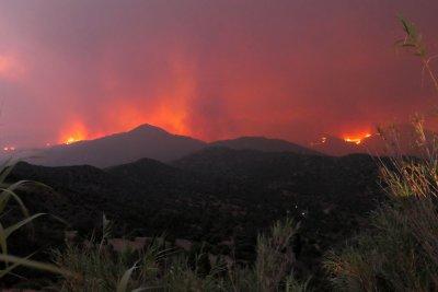 Кипър поиска международна помощ за справяне с огромен пожар