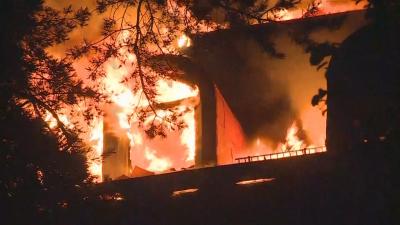 Светкавица предизвика пожар в хотел в Унгария