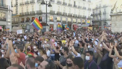 Многохилядни протести в Испания след убийство на млад мъж