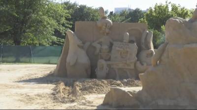 Изкуство от пясък: Как се правят пясъчни фигури?
