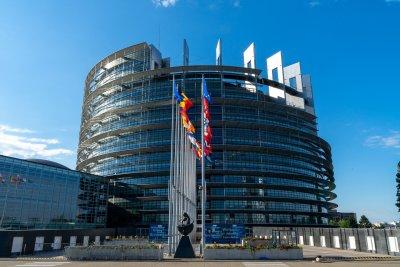 До часове обявяват резултатите от гласуването на резолюцията в ЕП