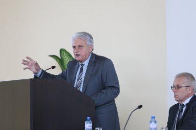 Предизборен спор между Рашков и Караянчева