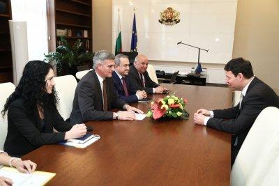 Стефан Янев се срещна с посланика на Словения