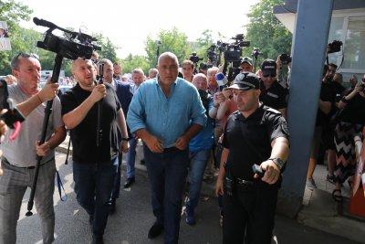 Бойко Борисов след разпита в МВР: Давах сведения по 3 сигнала